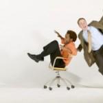 Dynamisches Sitzen hilft bei Rückenschmerzen