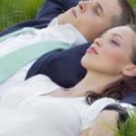 Ein Nickerchen auf dem Schlafsofa für unsere Gesundheit
