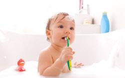 Kinderzähne putzen