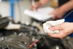 Auto-Check Ölstand prüfen