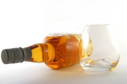 odysee Whisky Glas