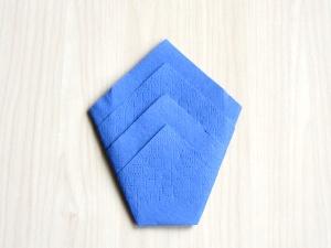 serviettenfalten-diamant-falte-fertig