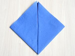 serviettenfalten-pyramid-spitzen
