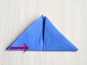 serviettenfalten-pyramid-umdrehen2