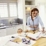 Zu Hause selbständig arbeiten als Mutter mit Kind