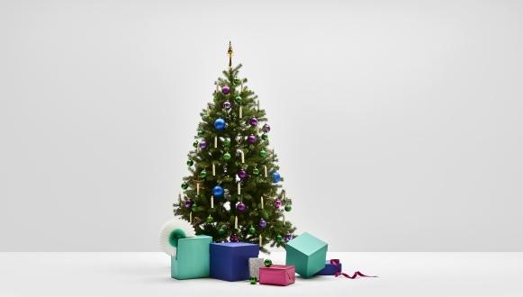 Cosmic Wonderland - Weihnachtsbaum Komplettset mit künstlichen Weihnachtsbaum und dazu passender Dekoration